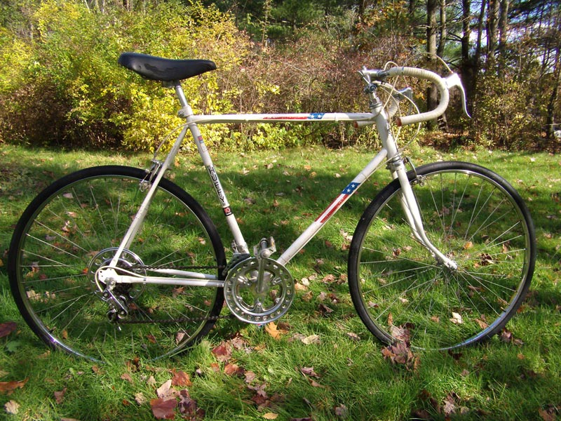 http://oldtenspeedgallery.com/blog/wp-content/bikes/2009/11/mr4c-1976-huffy-10-speed66.jpg