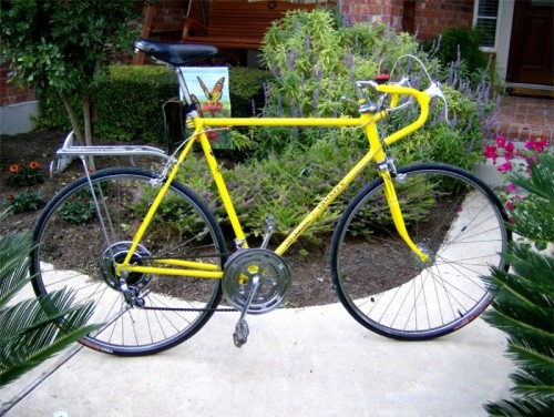 YELLLOW! 1971 Schwinn Varsity (Driveside)