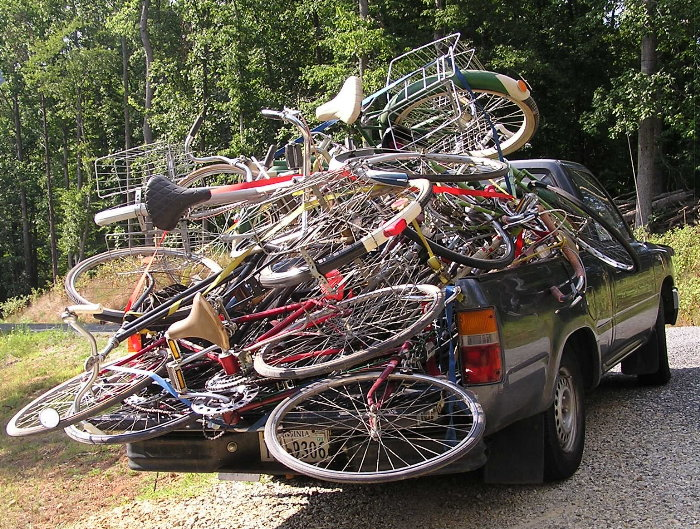 bob-pile-o-bikes-01.jpg