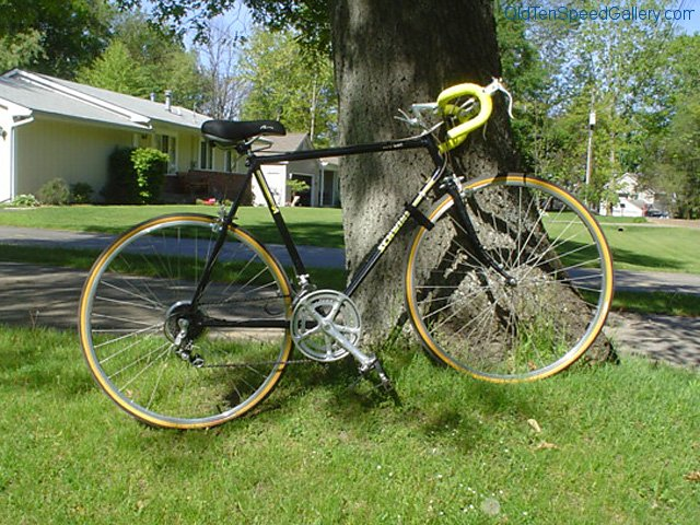 hugh-schwinn-world-sport-01.jpg